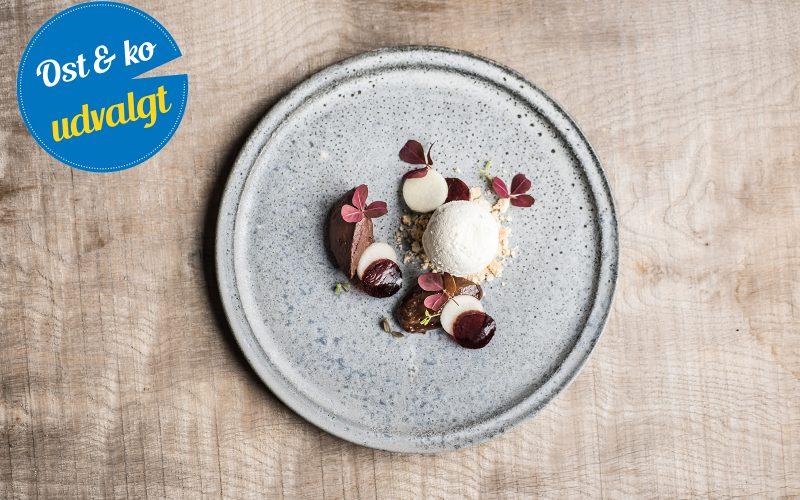 Roquefortmousse med chokoladeganache og sveskepuré