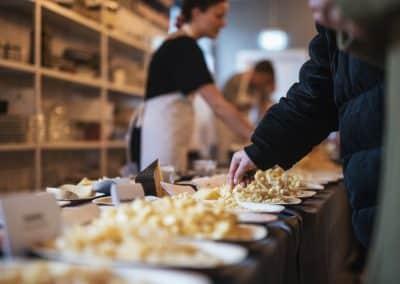 Ost & ko_Cheese_Copenhagen_2019_Ost_gul ost_smagsprøve_Foto_Liv_Møller_Kastrup.jpg