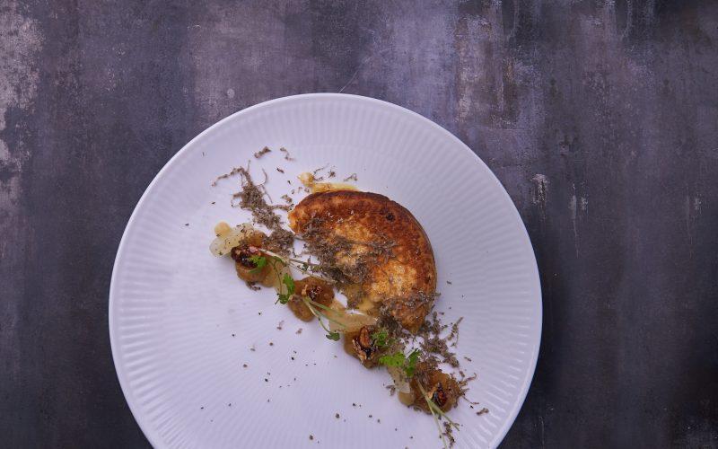 Opskrift med camembert: Pandekager med pære og trøffel
