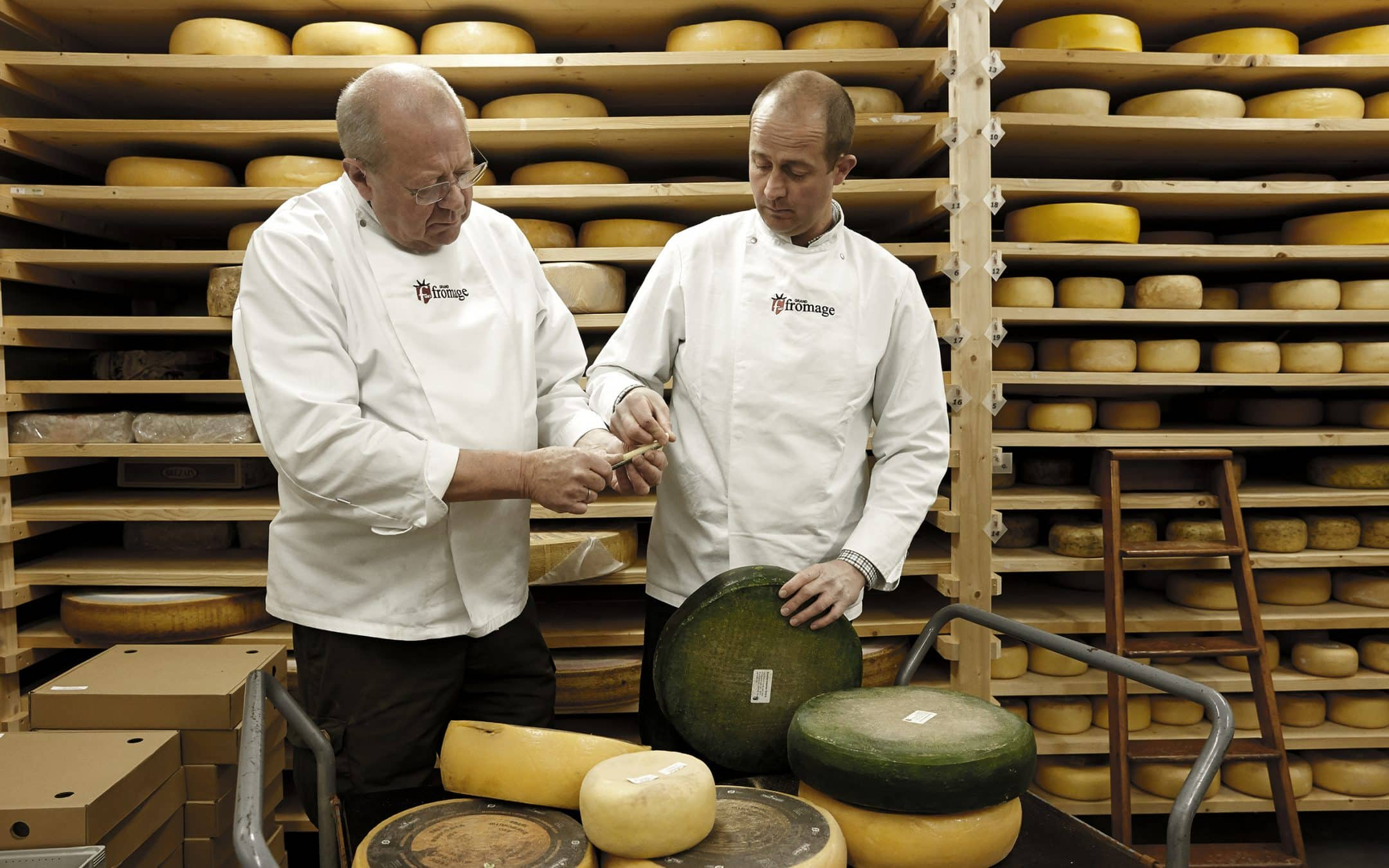 Læs om klimavenlig ost, den bedste julegaveidé til osteelskeren og bliv klogere på Naturmælks økologiske halloumi. Se de seneste nyheder i ostens verden.