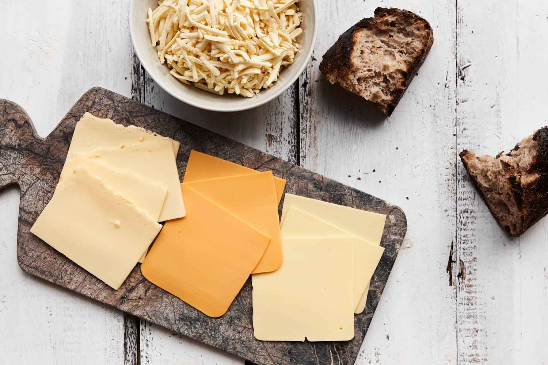 Hvad er vegansk ost? Og hvordan laver man vegansk ost? Du kan selv lave ost uden mælk derhjemme. Læs mere om hjemmelavet vegansk ost her på siden.