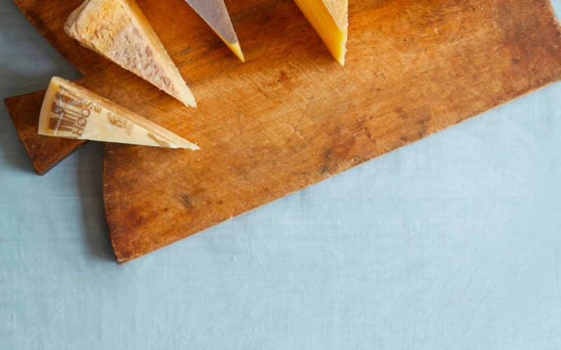 6 danske oste – De perfekte alternativer til parmesan