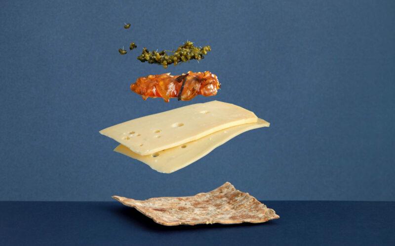 Tips til den perfekte ostemad: Sådan laver du en nytænkt ostemad med fast modnet ost