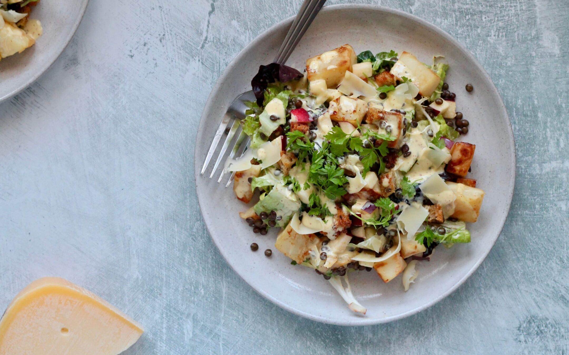 Opskrift på Anna Bartels osteret: Vegetarisk cæsarsalat