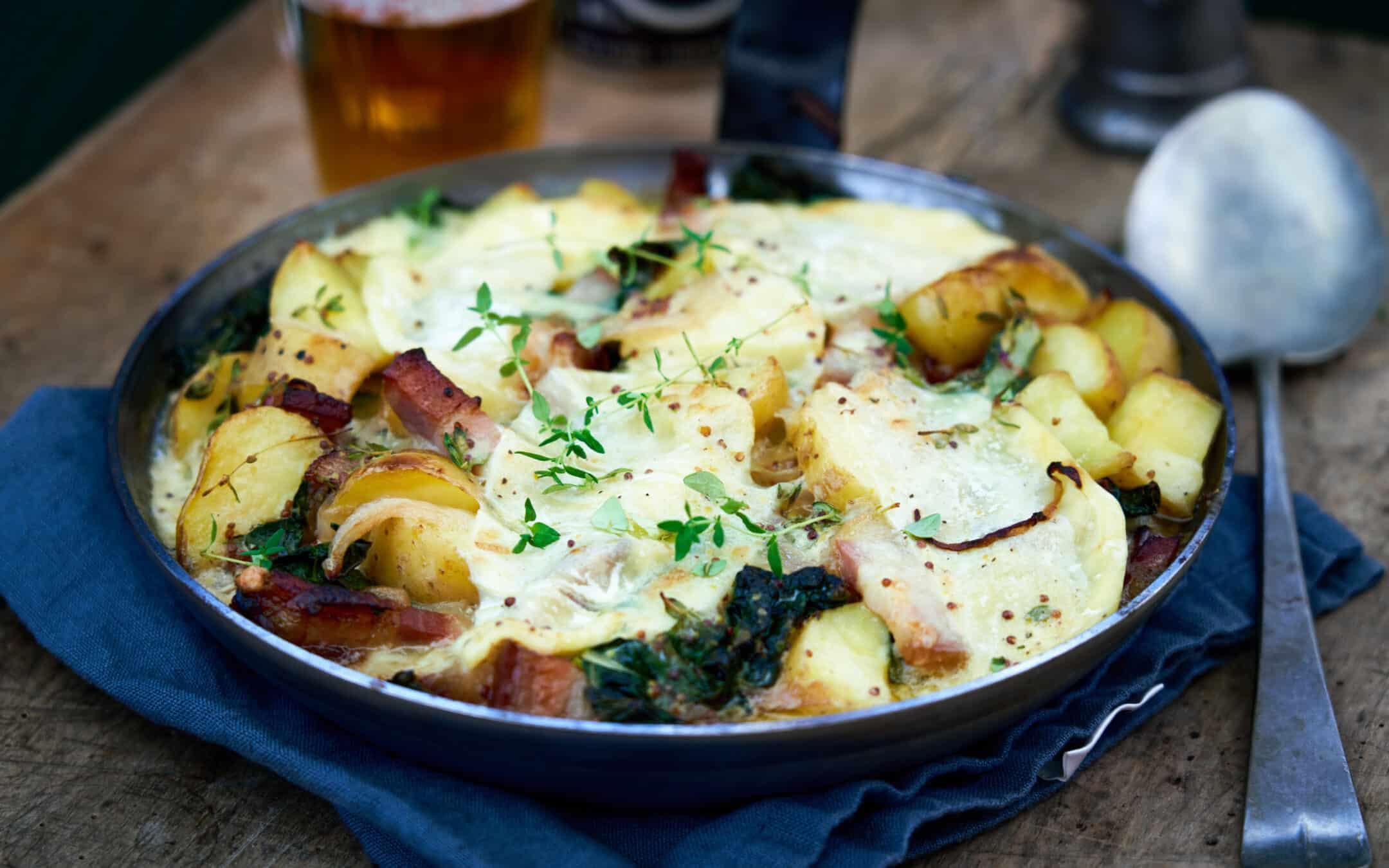 Tartiflette: Fransk comfort food med kartofler, bacon og smeltet ost